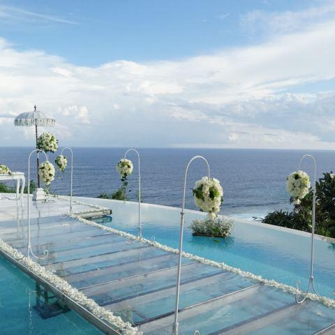 办一场悬崖泳池婚礼~巴厘岛karma
