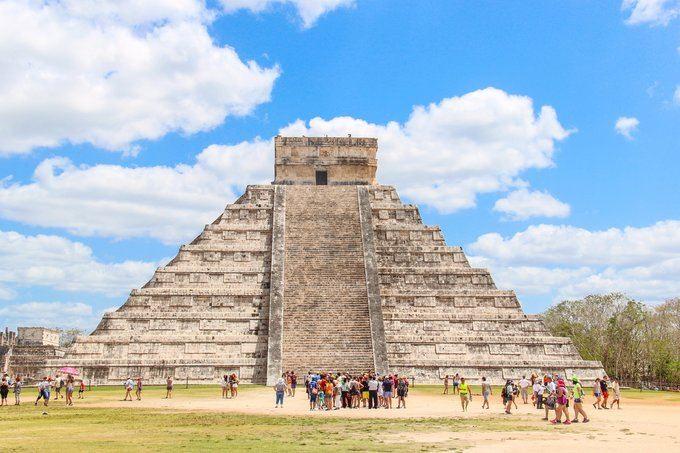 金字塔的正面
