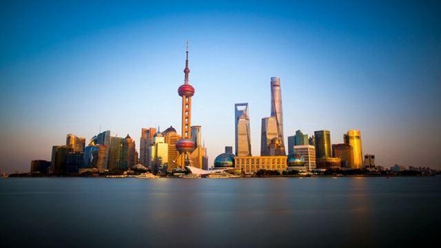 东方明珠广播电视塔是国家首批aaaaa级旅游景区.