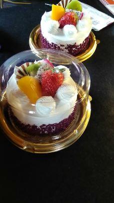 手绘鲨鱼蛋糕图片