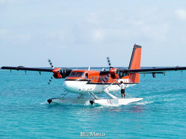 乘水上飞机去马尔代夫南部