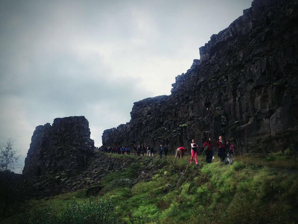 8月29日,胡萨维克-阿克雷里 景点路线:米湖-熔岩迷宫-地热谷-上帝瀑布