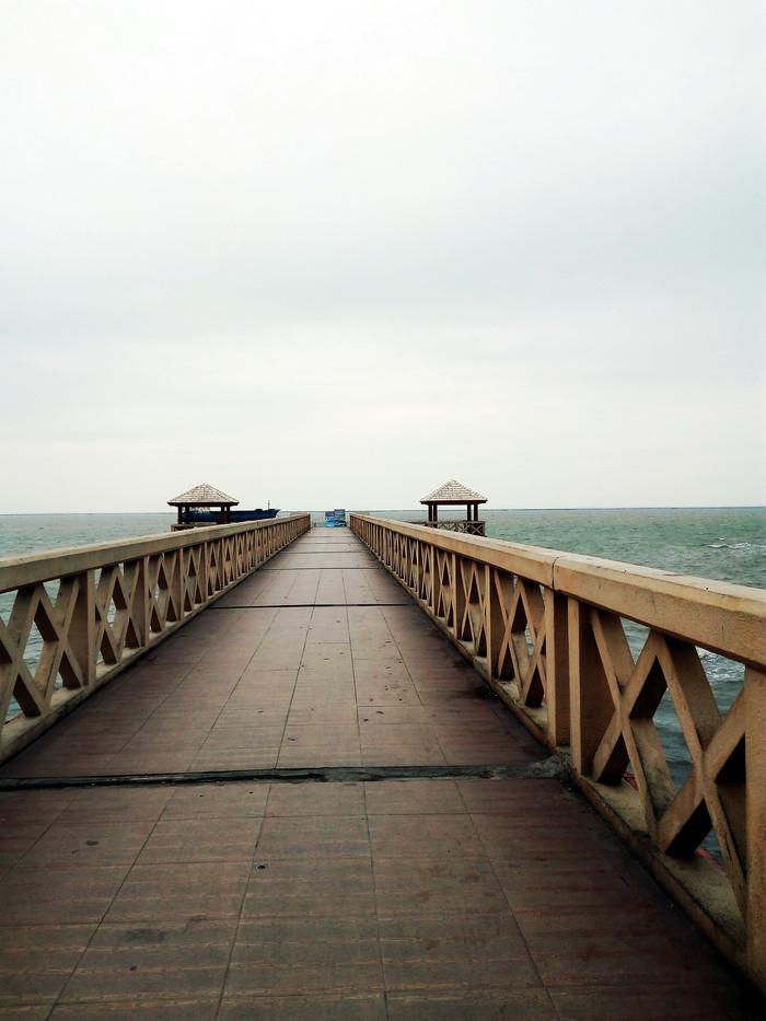 虽说降温,可北海老街上为何如此冷冻,因为它挨着外沙岛,步行10分钟便