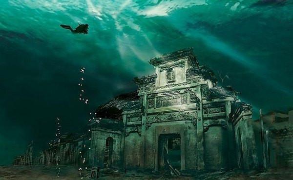 2016年5月在杭州市民摄影节上有一个展区是关于千岛湖的水下古城照片