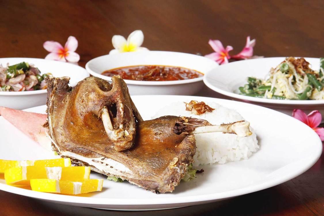 巴厘岛正宗脏鸭餐(三家店可预约)