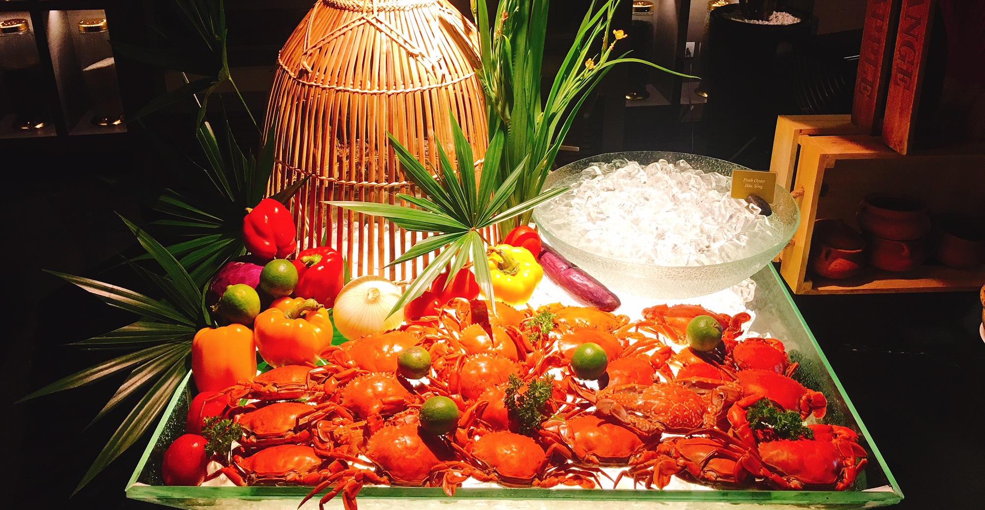 越南芽庄五星级洲际酒店海鲜自助晚餐(含烤龙虾)