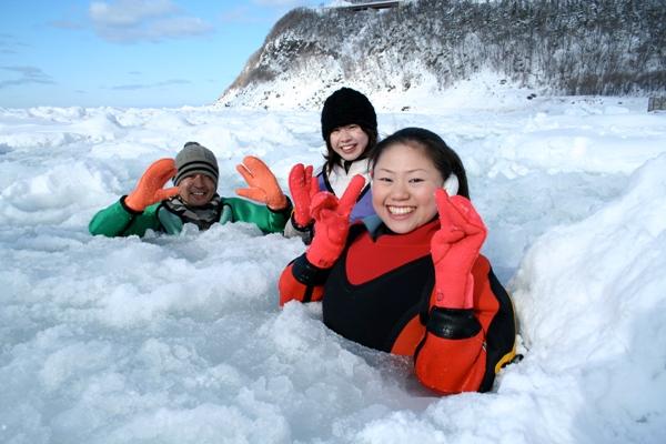 知床半岛户外探险 鄂霍次克海面流冰漫步体验