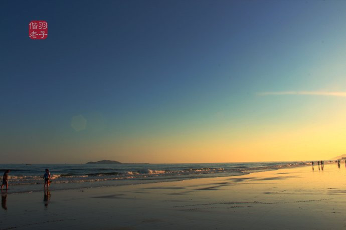 傍晚可以赶海拉网,更可以观看美丽的海边晚霞.