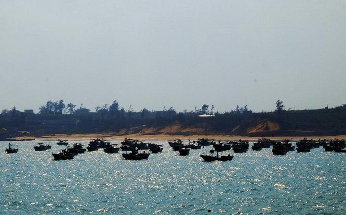 硇洲岛遇见鲍鱼养殖场