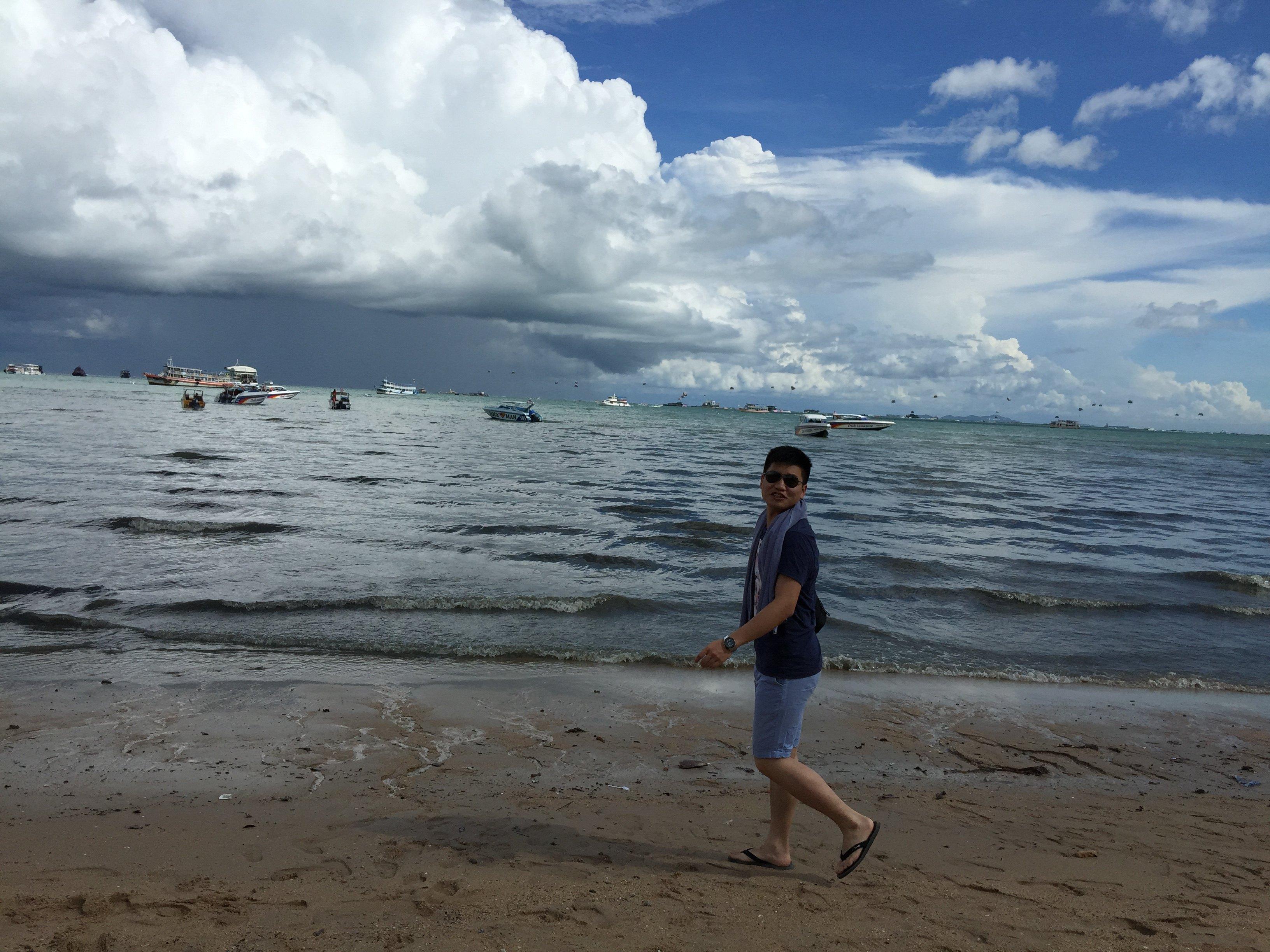 qq头像男生海滩风景
