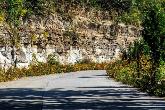阳泉市平定县岔口乡主铺掌村红岩岭自然风景区玉皇洞