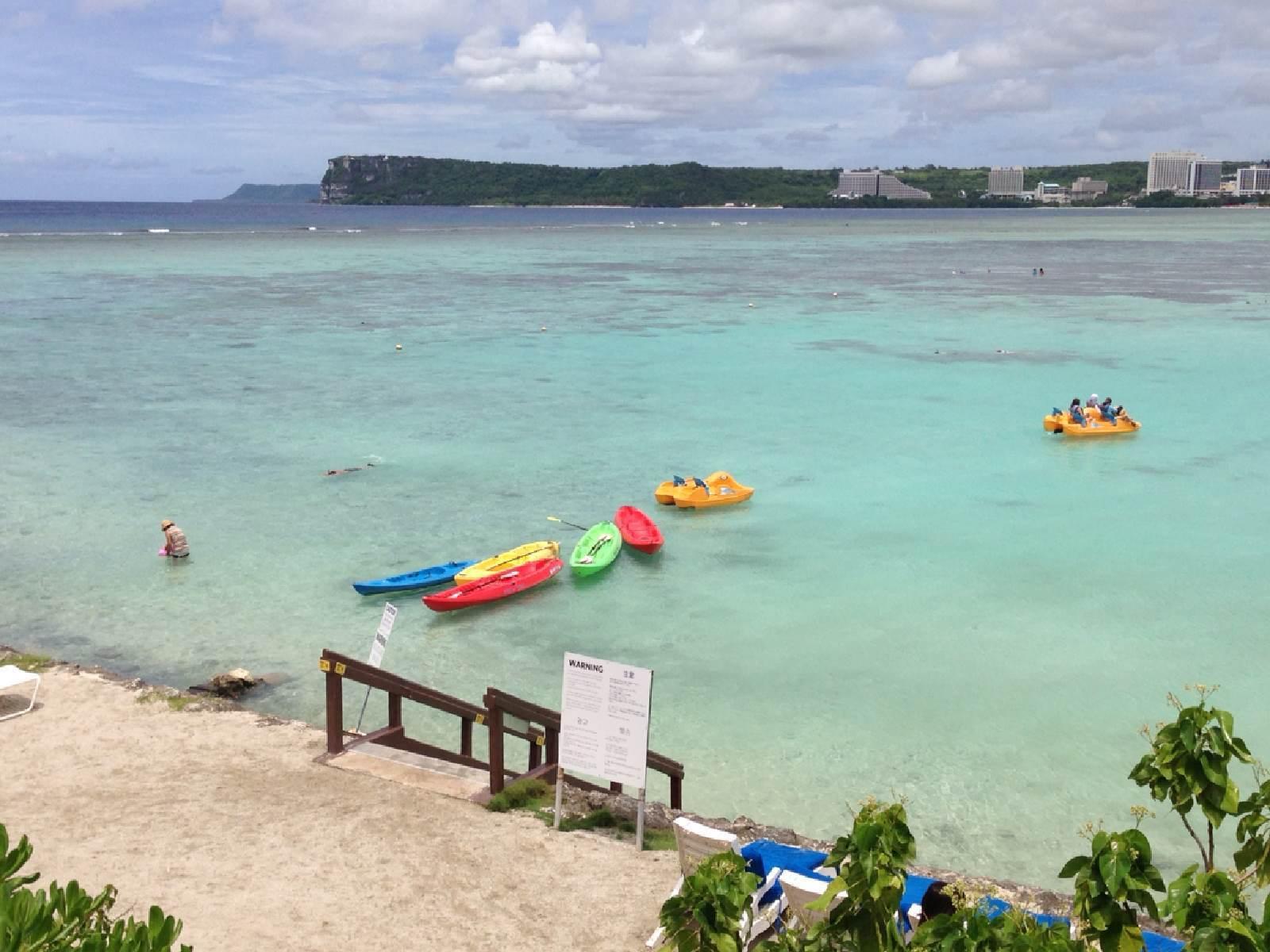 第三是喜来登酒店,它的位置离市区远一点,虽然也面对海,但没有沙滩