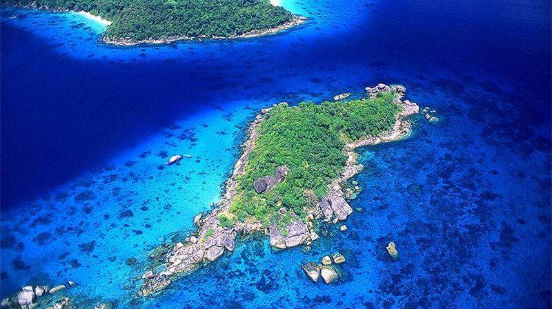 斯米兰群岛是泰国最优良的潜水旅游区