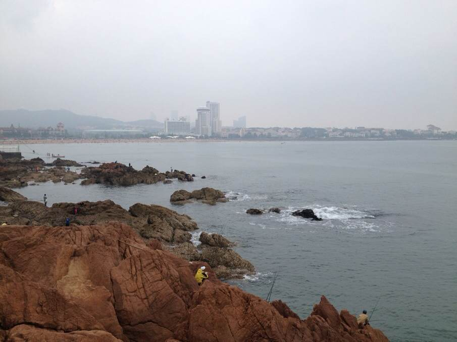 青岛下雨风景图