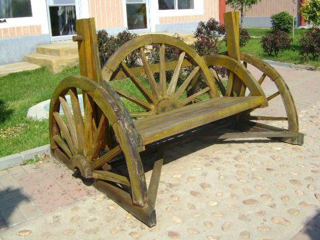 各种造型的木头小椅子还是很有意思的