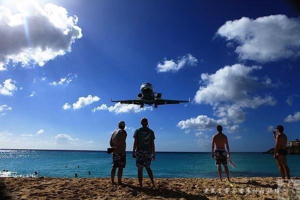 圣马丁:在这儿拍飞机有可能丢命