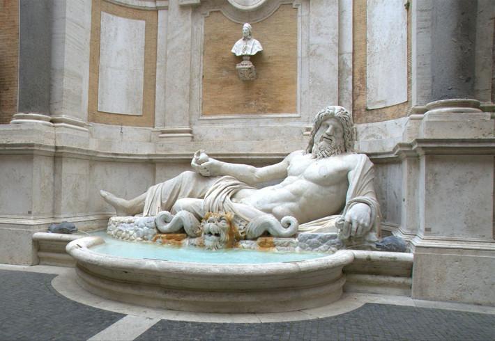 罗马海神雕像素材