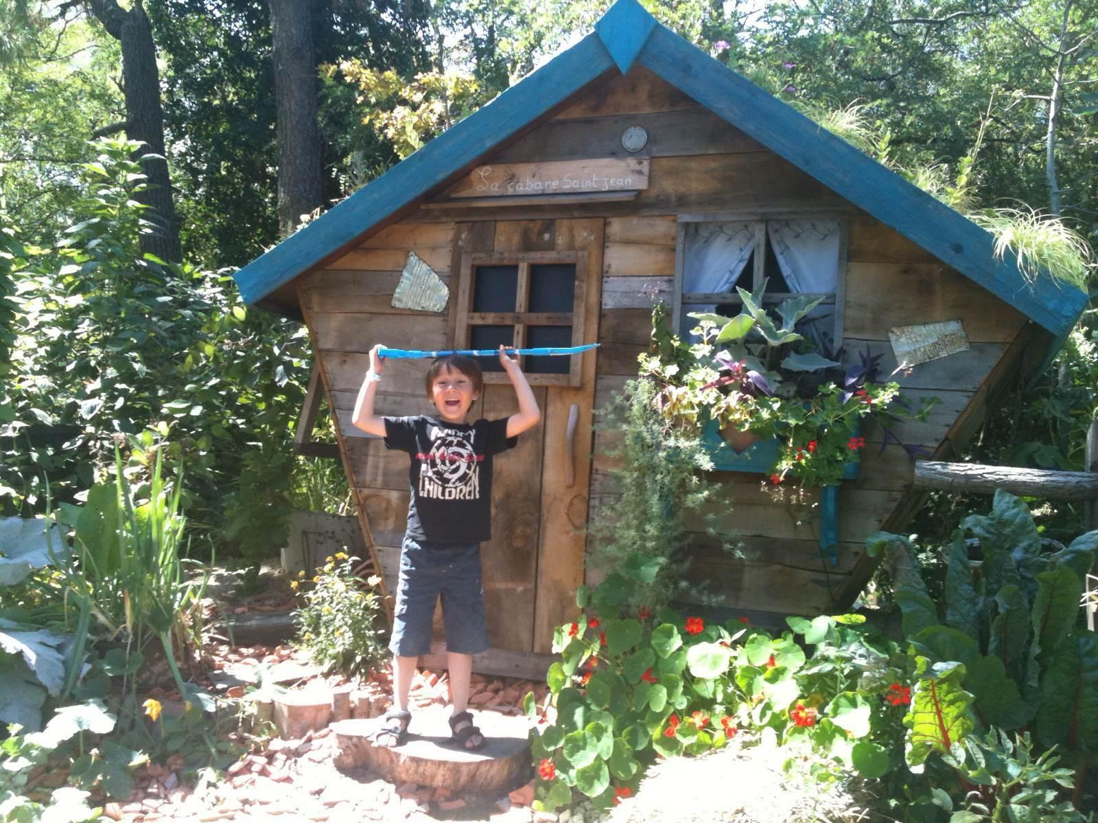 街头的花园小木屋