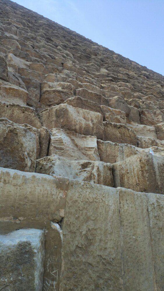 准备进入金字塔了,里面是禁止拍照的,你们以下看到的照片绝对是绝密