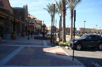 洛杉矶城堡奥特莱斯购物攻略,城堡奥特莱斯购物中心 地址 电话 营业高清图片