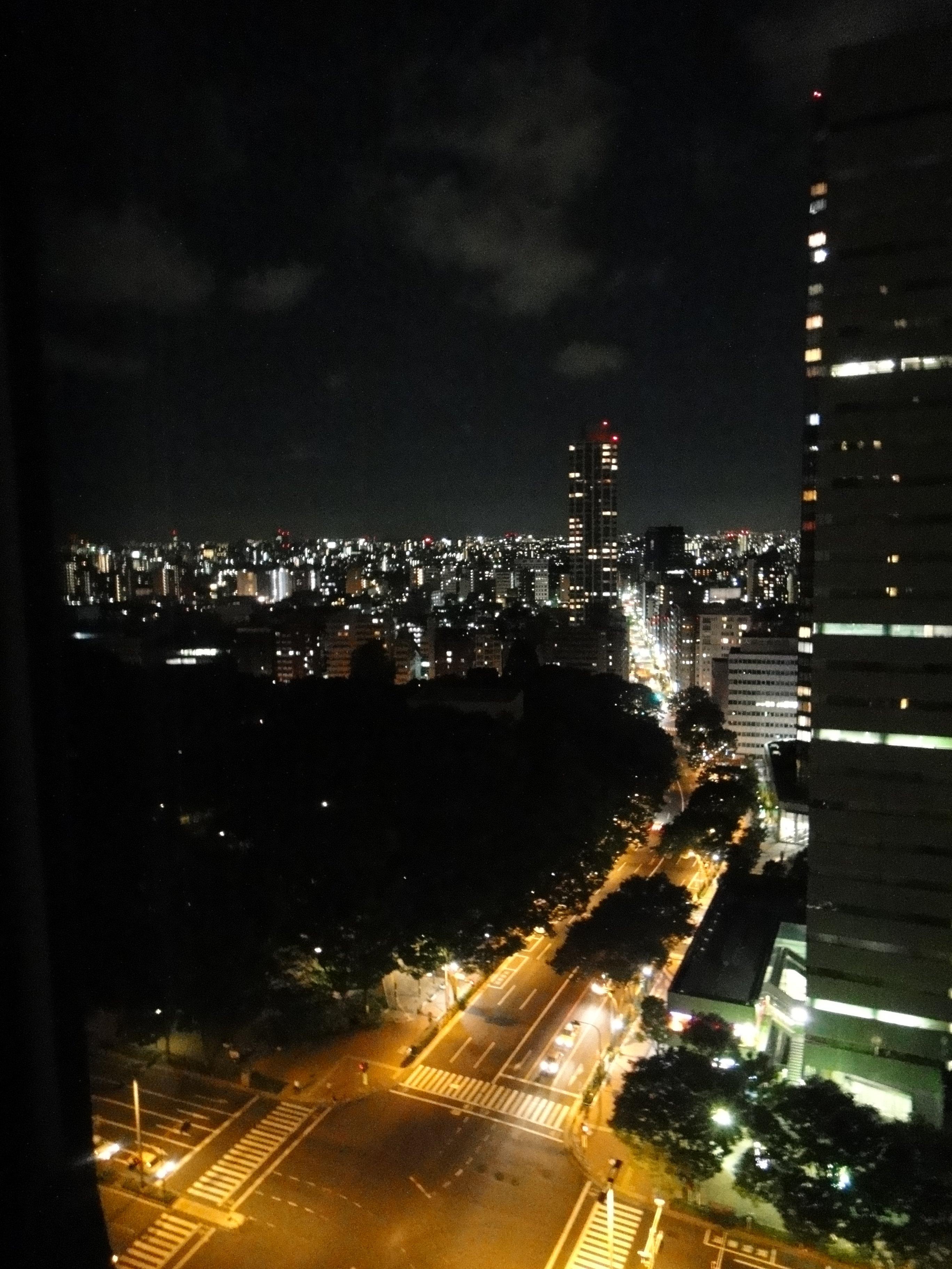 看夜景美的说说 形容夜景美的句子 夜景的心情短语图片