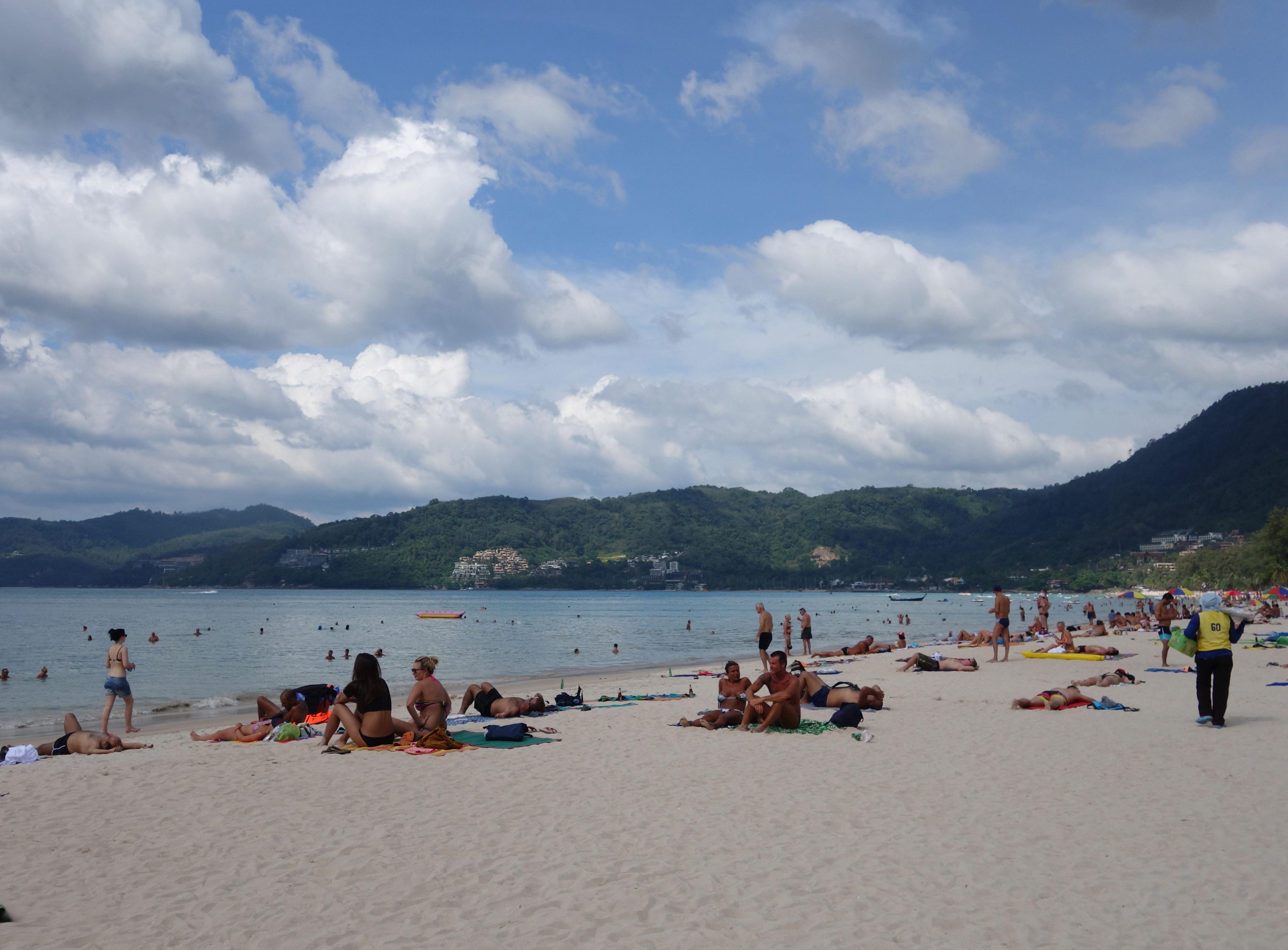 芭东海滩跟卡伦海滩真的不是一个级别