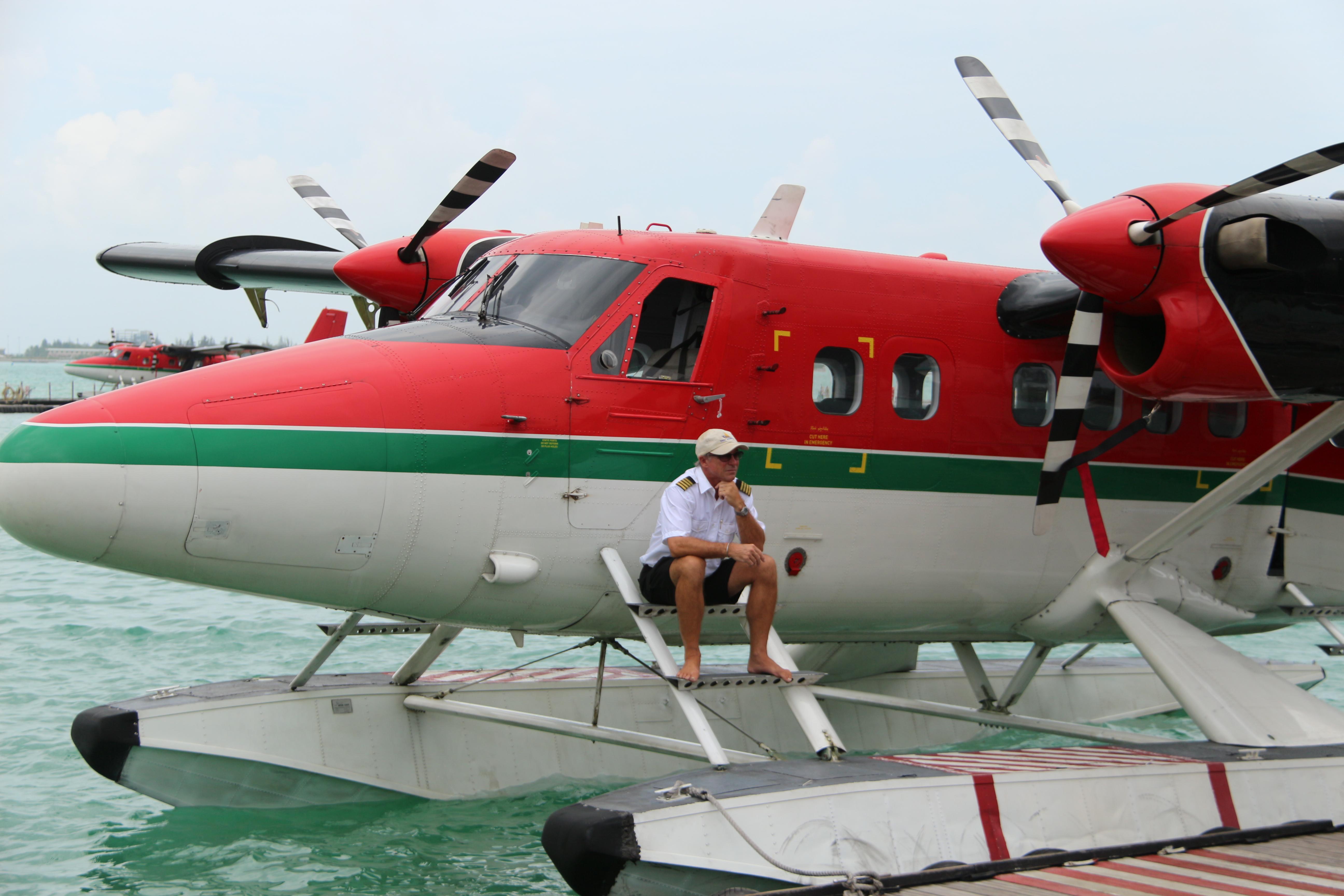 水上飞机和飞行员