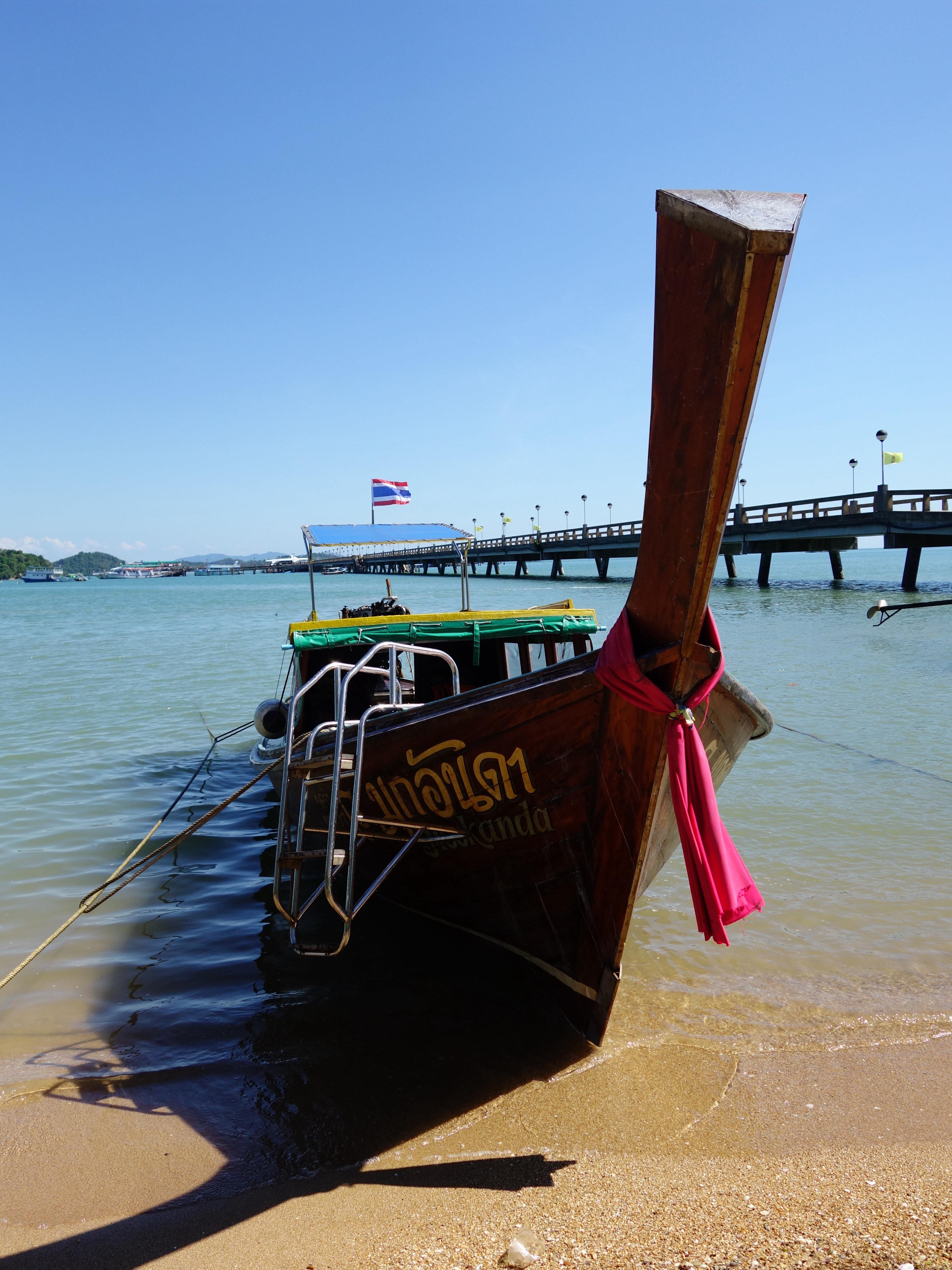 有一位泰国导游会用英文给大家