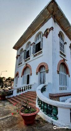 White Palace-头顿