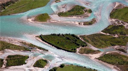 8苯日:航拍尼洋河口