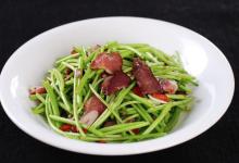 景德镇美食图片-藜蒿炒腊肉