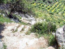 皮莱塔山洞-龙达