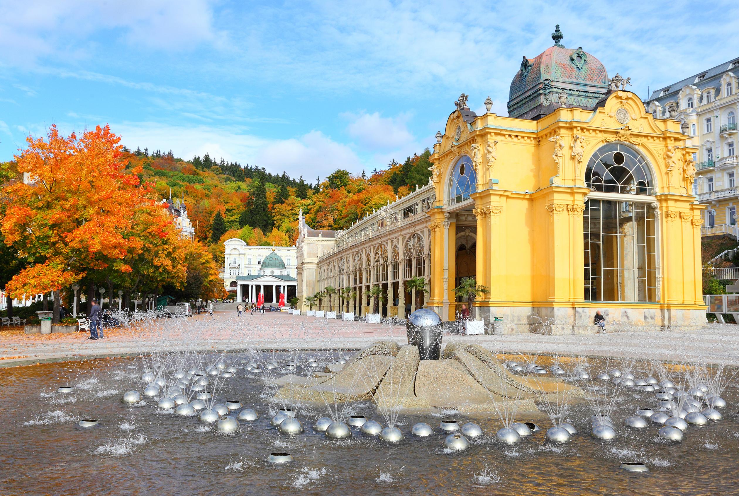 Karlovy Vary and Marianske Spa day trip from Prague