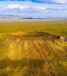 乌兰察布游记图文-我在察哈尔火山地质公园,仰望草原