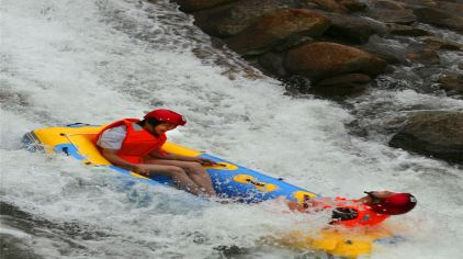 云灵山大峡谷漂流图片3