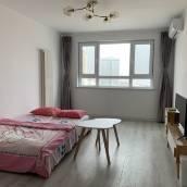 青島Louies公寓