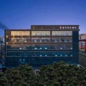 西安鐘樓麗呈睿軒酒店