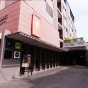 班王朗濱江酒店