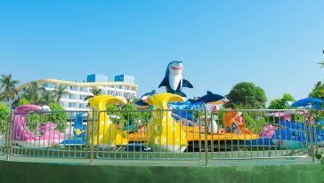 大战鲨鱼岛