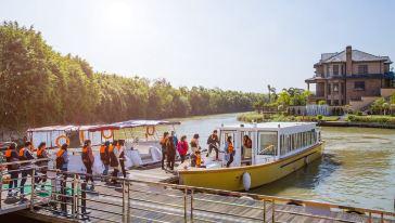 迪茵湖游船