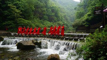 三峡大瀑布09
