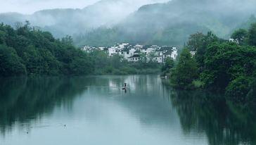 雨后的汪口,云雾缭绕,悠然恬静,美丽如画!