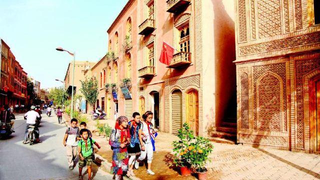新疆喀什喀什老城+香妃墓+艾提尕尔清真寺一日游【深度游玩喀什老城,了解灿烂的维吾尔文化】