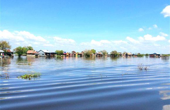 柬埔寨暹粒女皇宮+洞里薩湖一日遊(中文導遊+專業司機+賞日落+贈送椰子水)