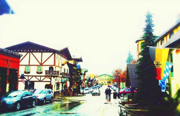 西雅圖斯諾誇爾米瀑布+德國村小鎮一日遊(拼車)