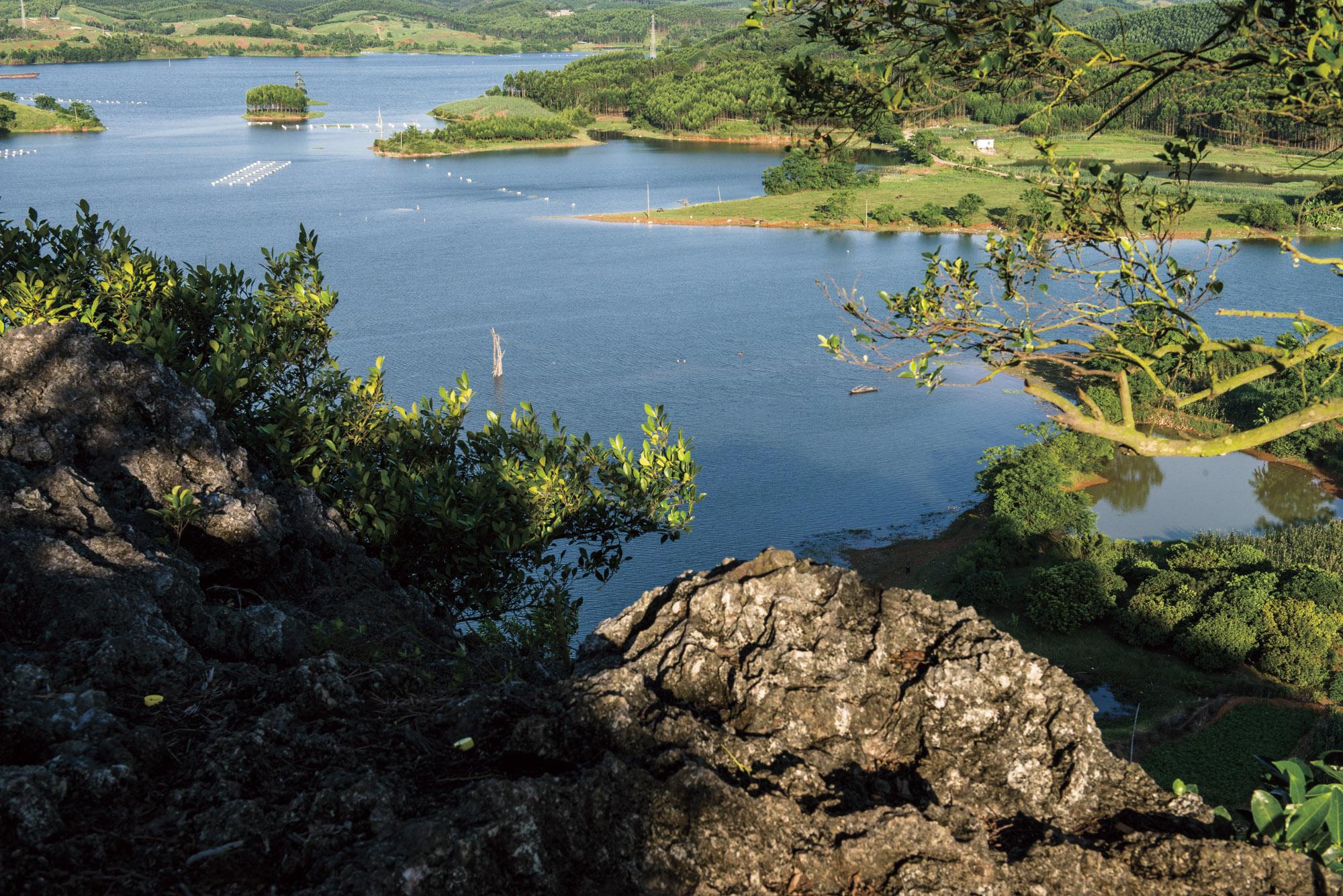 南寧寶華山+西津湖+中華茉莉園一日遊