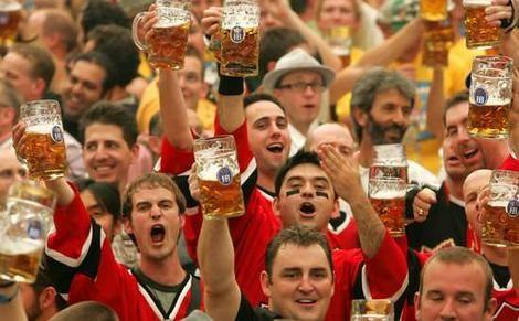 伦敦啤酒_世界闻名的三大啤酒节:德国慕尼黑啤酒节、美国丹佛啤酒节