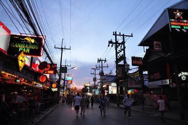 芭東夜市  Patong OTOP Shopping Paradise   -3