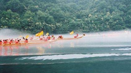 新安江漂流-雾中赛舟